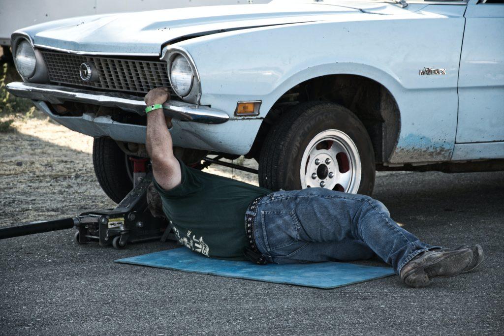 Car_mechanic_travel_Tips_Branson_Travel_Group