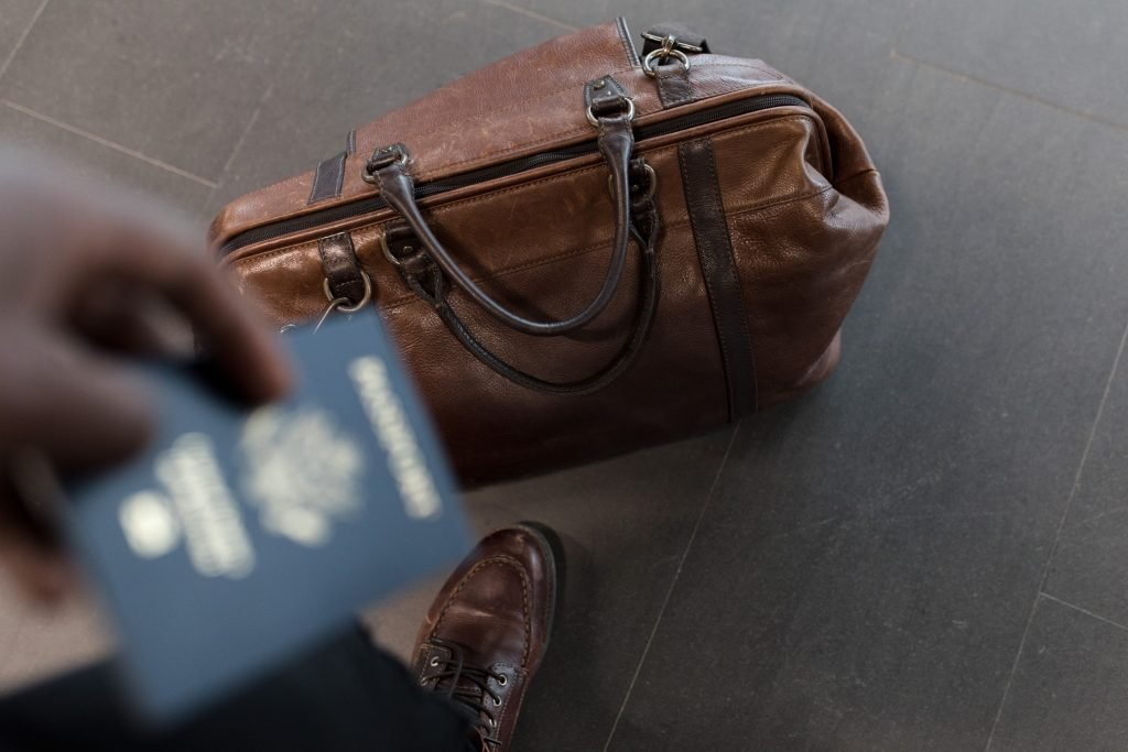 Luggage_and_Passport_Branson_Travel_Group_Tips
